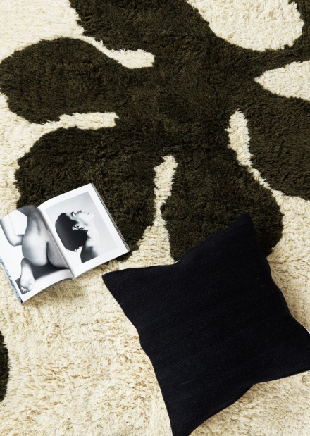 Mulholland Rug - Dark charcoal grey