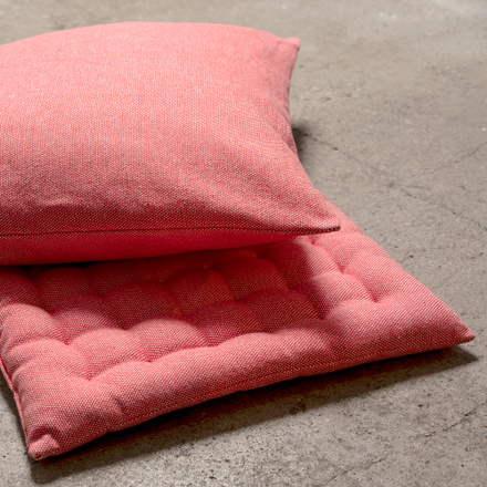 Pepper Seat Cushion - Coral Red