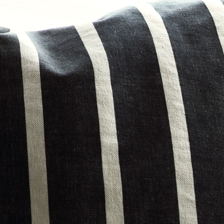 Rubus Cushion cover - Dark charcoal grey
