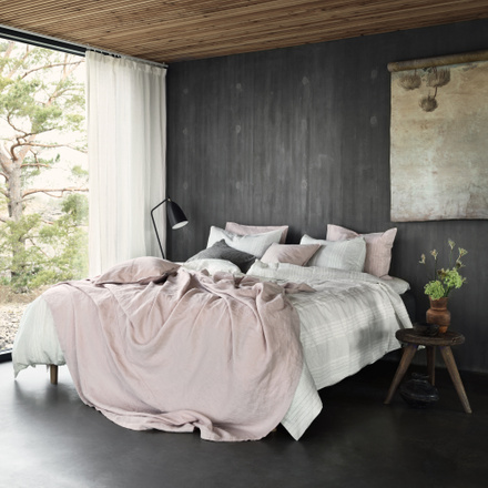West Bedspread - Light Dusty Pink